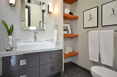 A tendência de quadros de decoração no banheiro